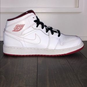 Jordan 1 Retro Mid White Gym Red Black